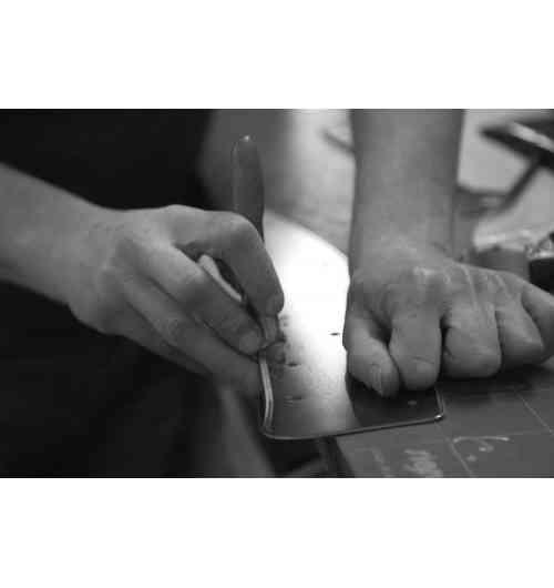 Plaques d'immatriculation Maillefaud - Maillefaud est le plus ancien fabricant français de plaques d'immatriculation (depuis 1930). Toutes les plaques Maillefaud sont réalisables entièrement sur mesure avec choix du fond et de la finition des caractères.