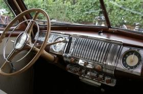 Salon de la voiture de collection et voiture ancienne
