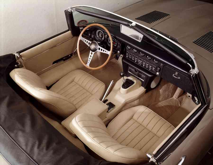 voiture ancienne  jaguar type E