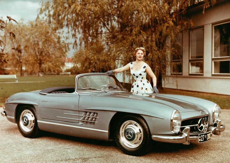 salon de la voiture de collection et véhicules anciens Mercedes