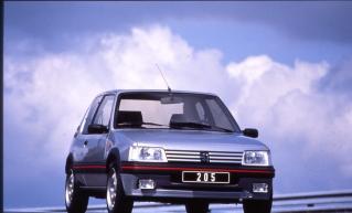 salon de la voiture de collection et véhicules anciens Peugeot 205 GTI Youngtimers