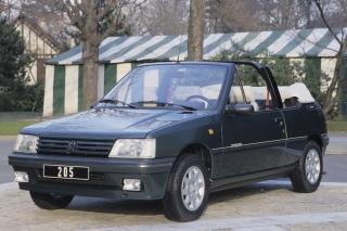 salon de la voiture de collection, de la voiture ancienne et des  véhicules anciens Peugoet