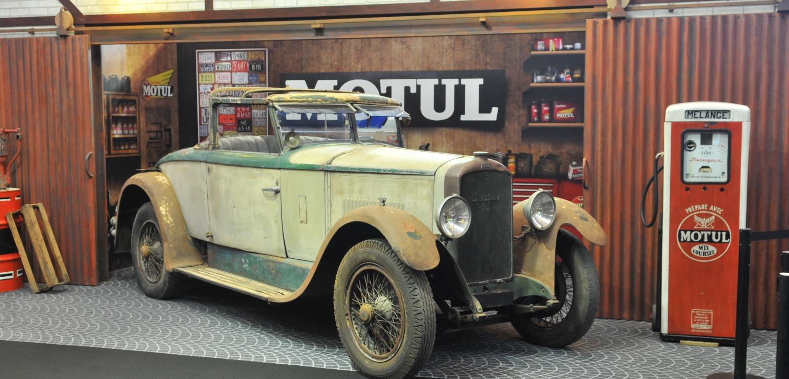 Retromobile salon international des voitures de for Salon retromobile lyon