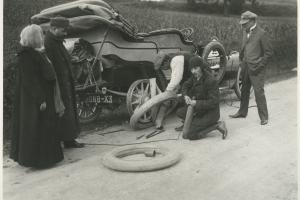 salon de la voiture de collection et des véhicules anciens